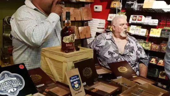 Corona Cigar Company & Diamond Crown Cigar