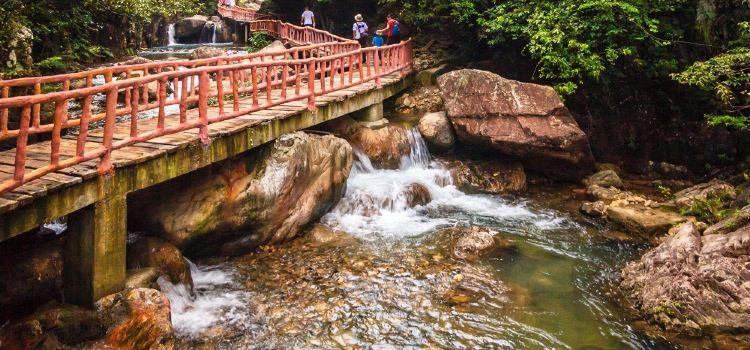 Baishuizhai Scenic Area3