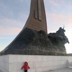 百靈廟抗日人民英雄紀念碑用戶圖片