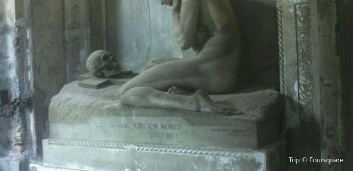 斯塔列諾公墓1