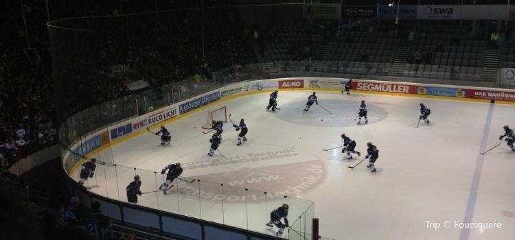 Curt-Frenzel-Stadion2