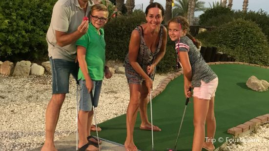 Island Cove Adventure Mini Golf