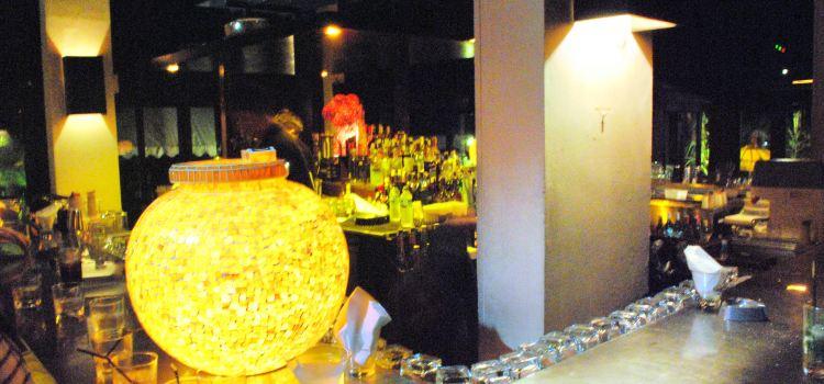 Hu'u Bar and Restaurant2