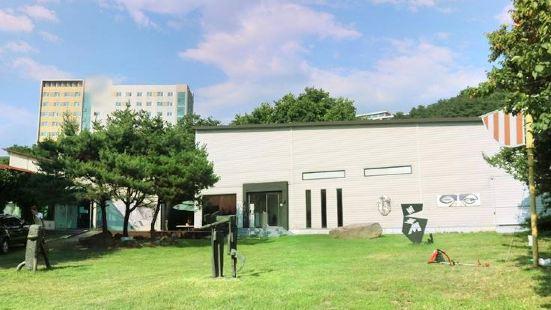 한국미술관