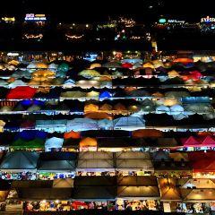 拉差達火車夜市用戶圖片