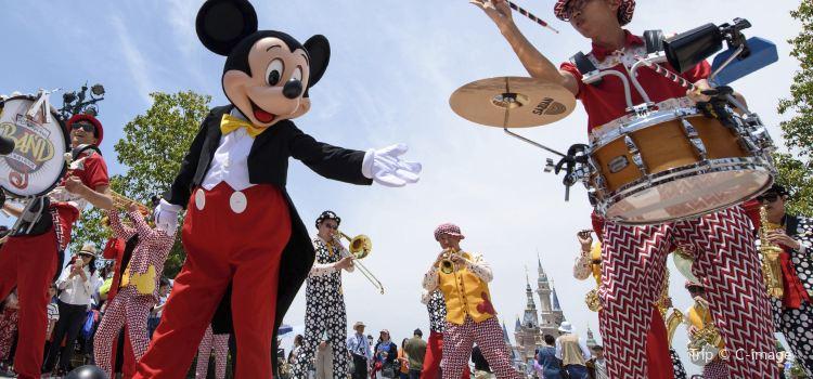 Shanghai Disneyland Band