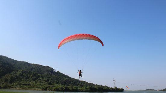 獅子峰滑翔傘飛行體驗