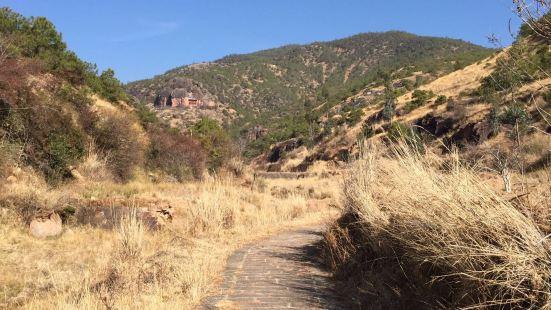 沙登菁石窟景區