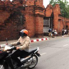 Tha Phae Gate User Photo
