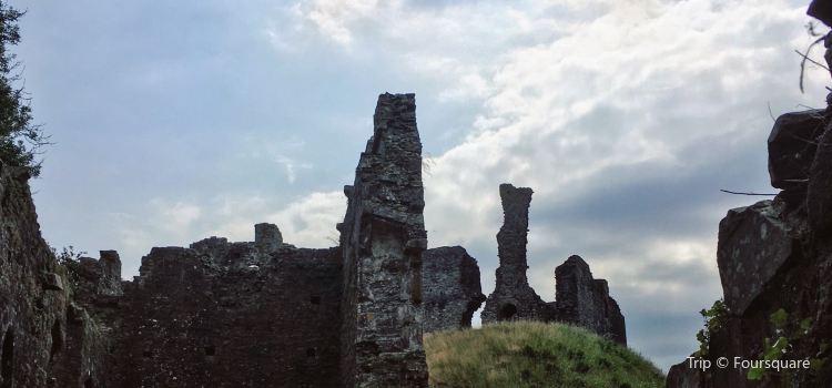Okehampton Castle1