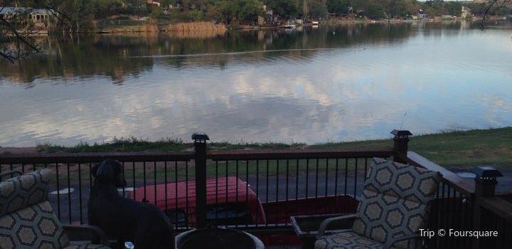 Buffalo Springs Lake