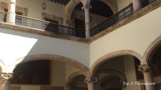Museo de la Ciudad 450