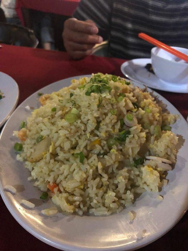 Zhong Hua Lou Seafood Restaurant