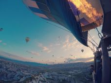 Turkiye Balloons-卡帕多奇亚-爱耍的周大爷