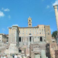 Tempio di Vespasiano e Tito User Photo