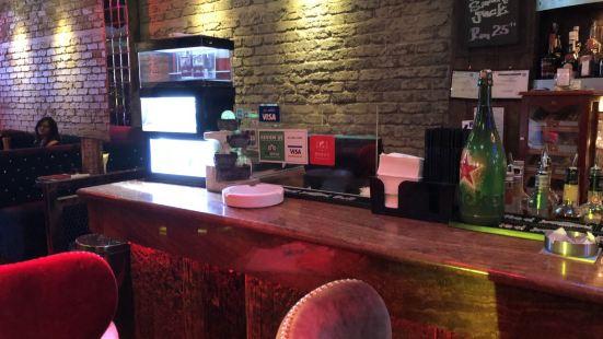 Temptations Kitchen + Bar