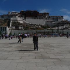 Tibet Peaceful Liberation Monument User Photo