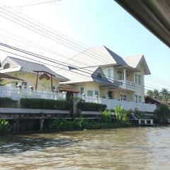 Damnoen Saduak Floating Market User Photo