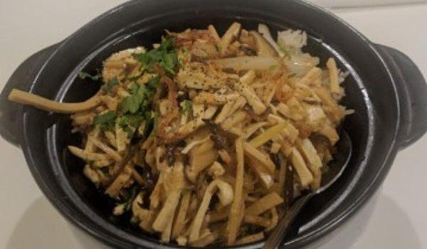 Golden Era Vegan Restaurant3