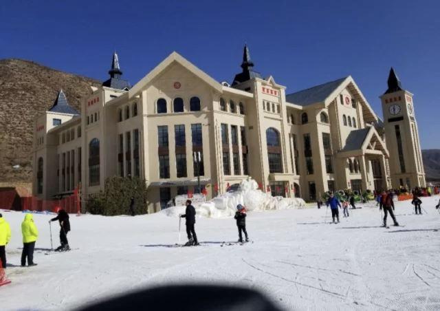 岱海國際滑雪場