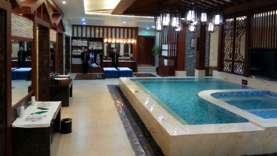 Qinghu Bathing