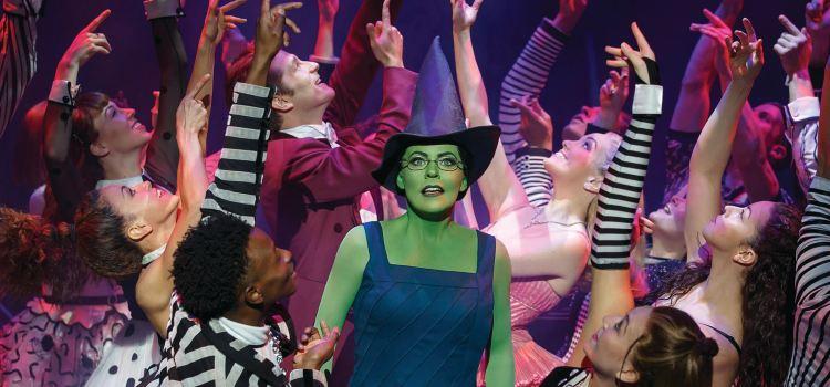 百老匯音樂劇《魔法壞女巫》2