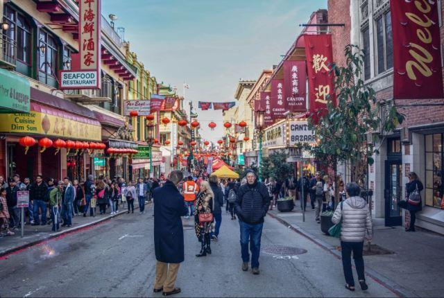 到這個大街小巷都能拍出ins風網紅照的地方,過一個不一樣的異域春節!