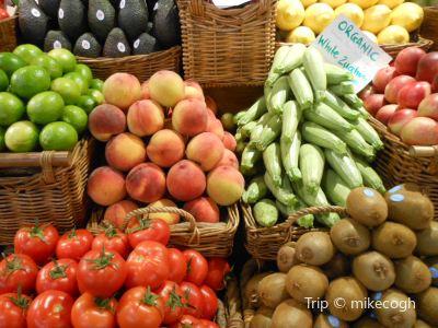 Seafood, Fruit and Vegetable Market (Mercado de Mariscos, frutas y vegetales)