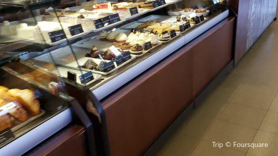 La Baguette Bakery & Cafe