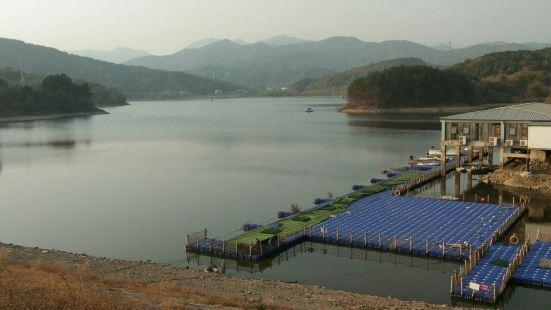 仙龍湖漁港酒店