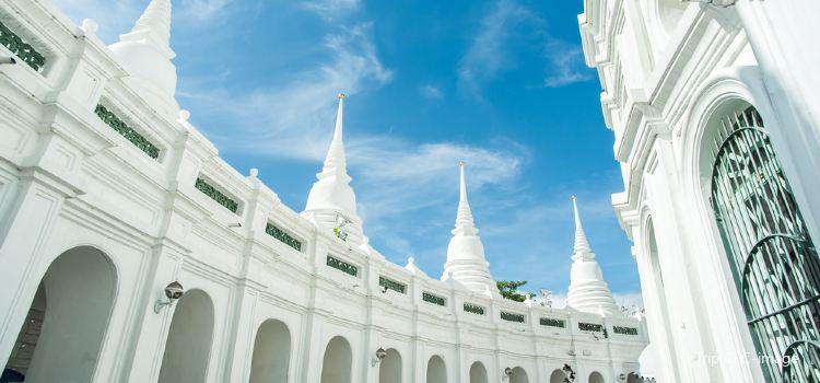 Wat Prayurawongsawat Worawihan3