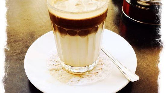 Cafe Pini