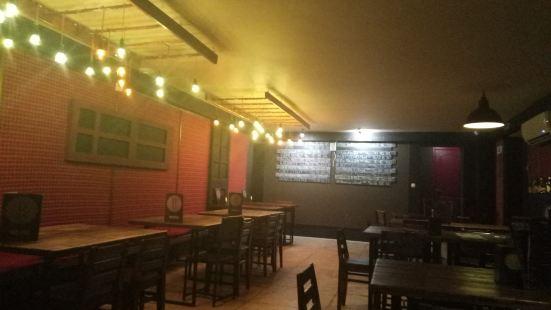 Red Door Pub