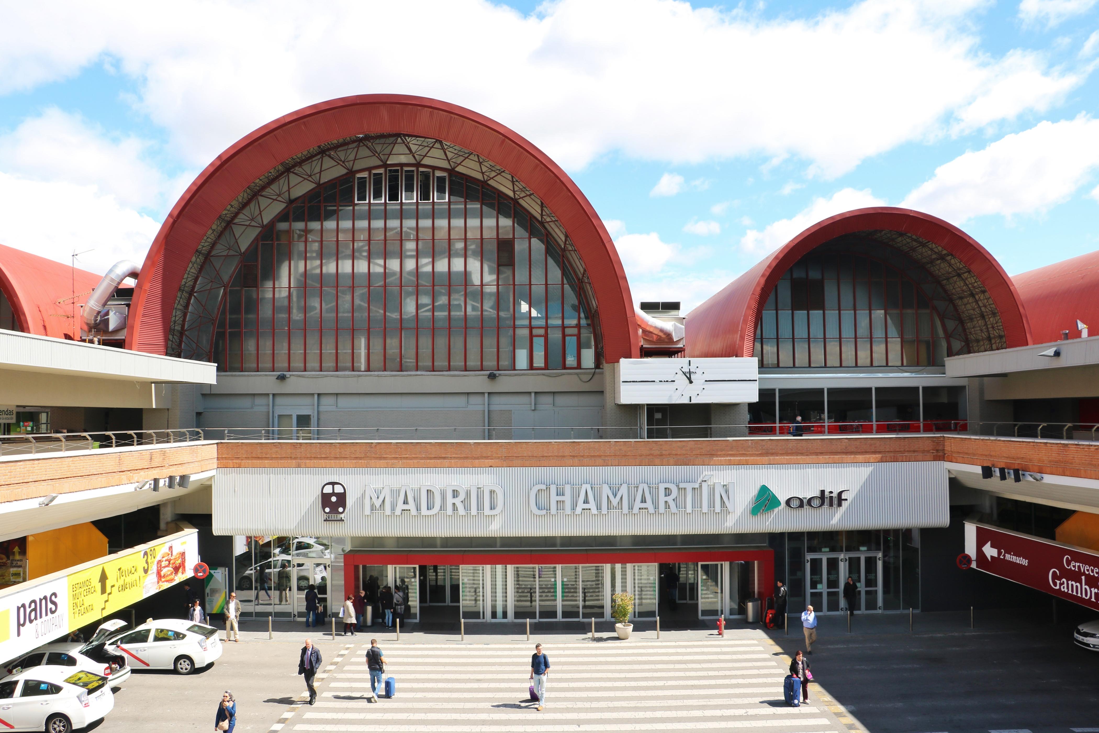 Estacion De Chamartin Travel Guidebook Must Visit