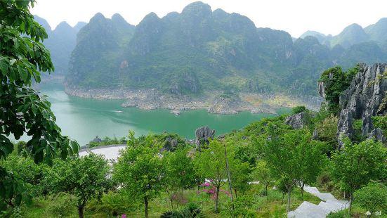 Hongchun Wharf in Wanfeng Lake