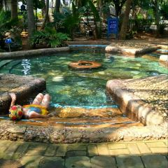 Holiday Beach Hot Springs Water Park User Photo