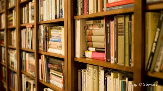 L.E.R. Schimelpfenig Library