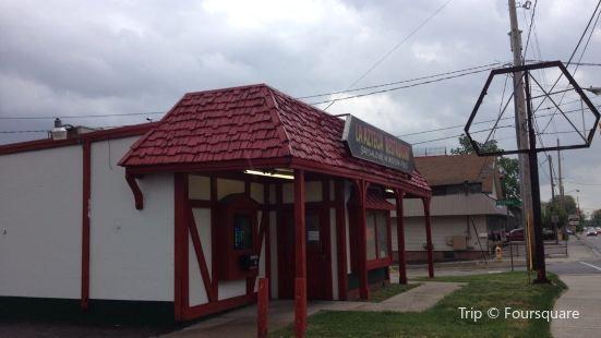 La Azteca Taco House