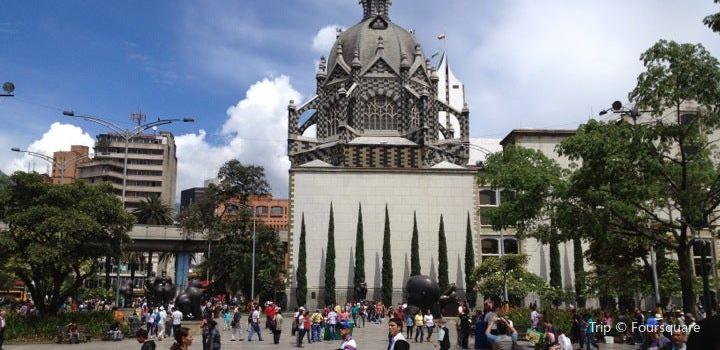 Plaza Botero2