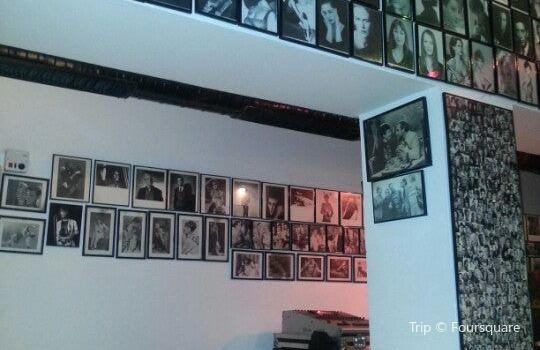Galeri Siyah Beyaz1