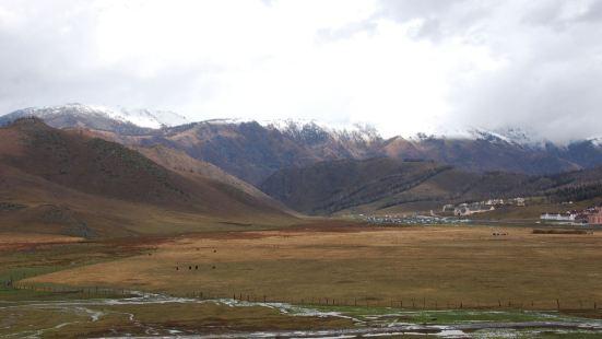 賈登峪哈薩克民族風情氈房