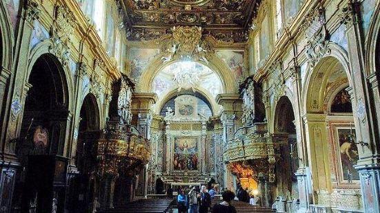 Chiesa e Chiostro di San Gregorio Armeno