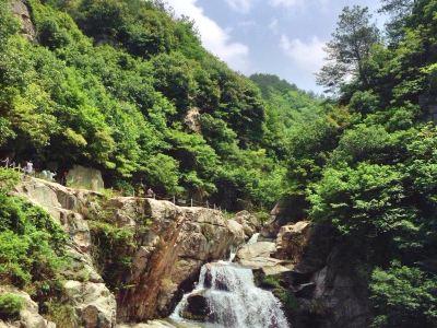Tongjianchong Waterfalls Scenic Area