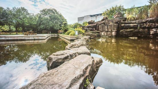 Tongjing Park (West Gate)