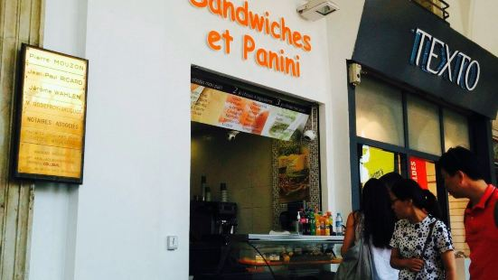 Sandwiches ET Panini