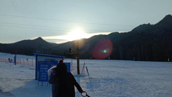 九峰山滑雪場
