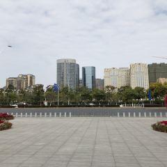 Linbaixinhuizhan Zhongxin Bei Square User Photo