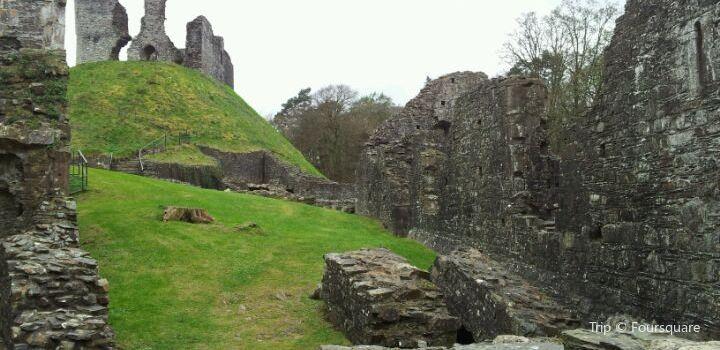 Okehampton Castle3