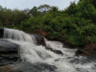 Thudugala Ella waterfall