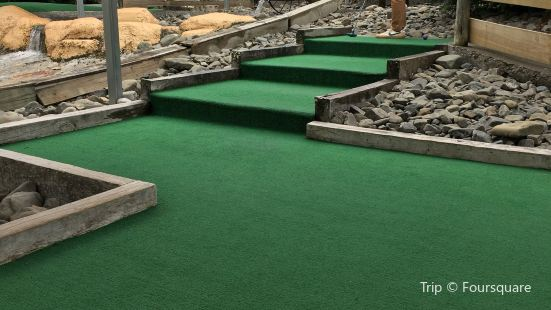 A Maze N Golf